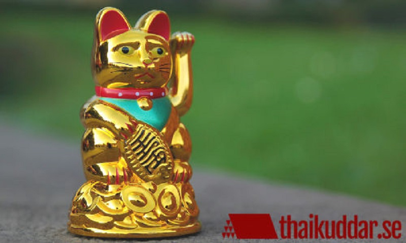 Beckoning lucky cats - More luck to the people!
