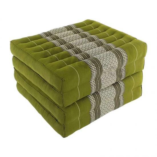 Grön och vit madrass och golvbädd i vikbar blockmodell med måtten 190 x 55 x 10 centimeter