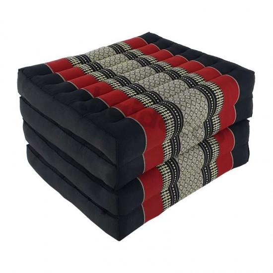 Svart och röd madrass och golvbädd i vikbar blockmodell med måtten 190 x 55 x 10 centimeter