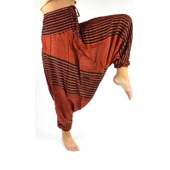Snygg haremsbyxa för både kvinna och man med design-ränder i färg orange