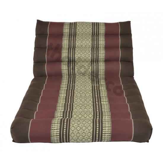 Trekantskudde / Thaikudde med en liggdel i färgen brun och röd