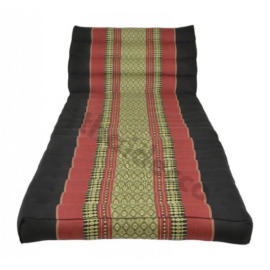 Pyramidkudde från Thailand med två liggdelar i färgerna svart och röd