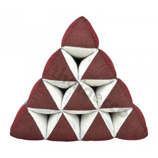 Thailändsk pyramidkudde utan liggdel i färgerna röd och blå