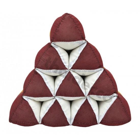 Thailändsk pyramidkudde utan liggdel i färgerna röd och guld