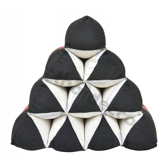Thailändsk pyramidkudde utan liggdel i färgerna svart och röd